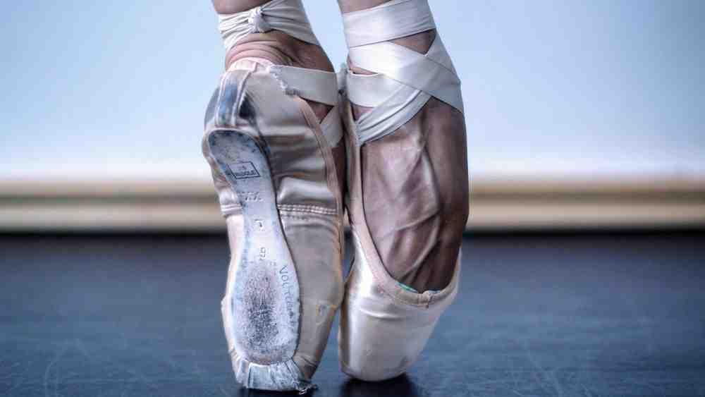 Comment adopter une position en danse classique?