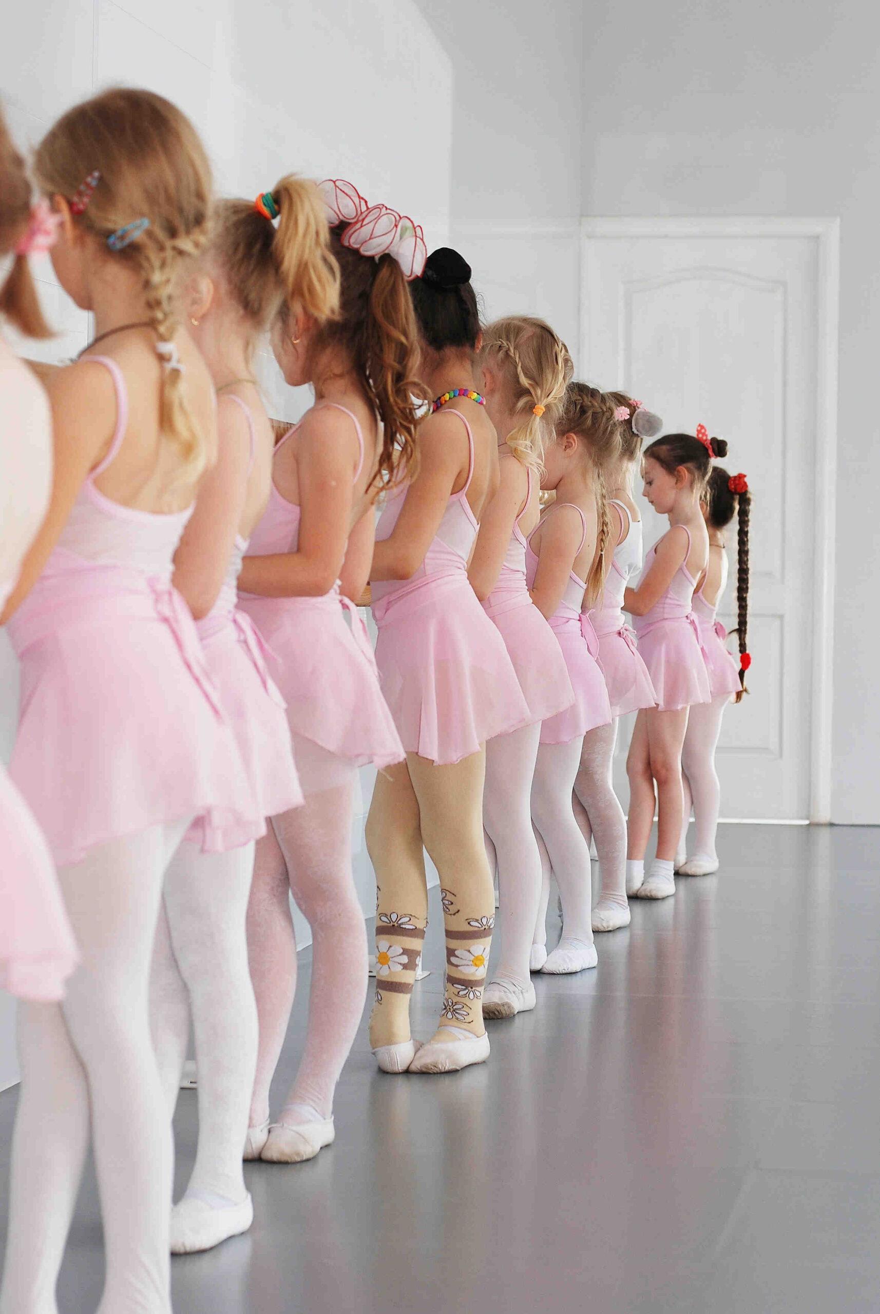 Quelles sont les caractéristiques de la danse classique?