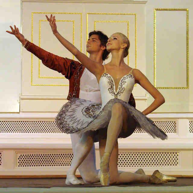 Qui a inventé les pointes en danse classique?